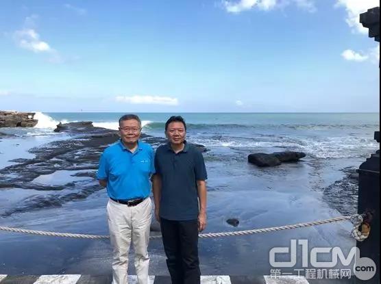 董事长何老师与陈先生在巴厘岛合影