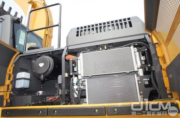 CX300C匹配了6缸直列五十铃GH-6HK1X