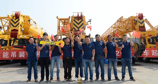 20台徐工起重机批量交付 建设美丽中国