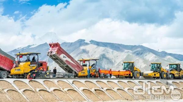 克服高原冻土,徐工成套道路机械助力青藏高速施工