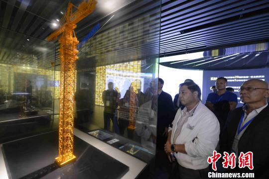 27家海外华文媒体高层感受中国注册首存送体验金官网行业的新变化。