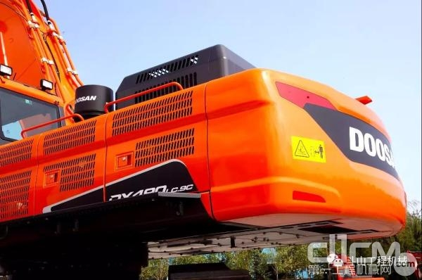 斗山DX490LC-9C挖掘机
