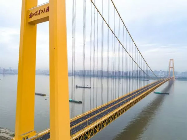 长江首座双层公路桥通车