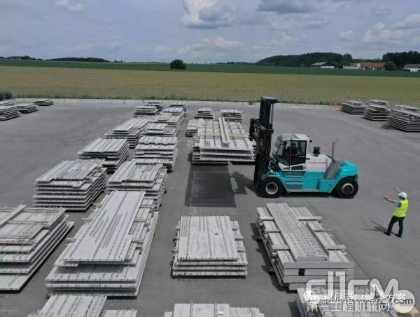 科尼叉车助力Wöhrl混凝土构件搬运作业