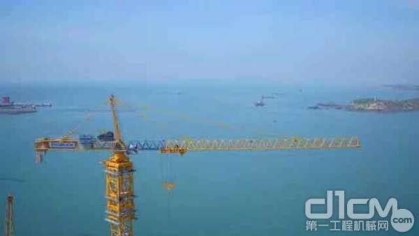 中联塔机助力平潭大桥