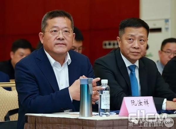 中国高科技产业化研究会的阮汝祥副理事长