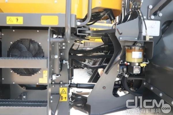 采用沃尔沃原装HTE220全自动换挡变速箱