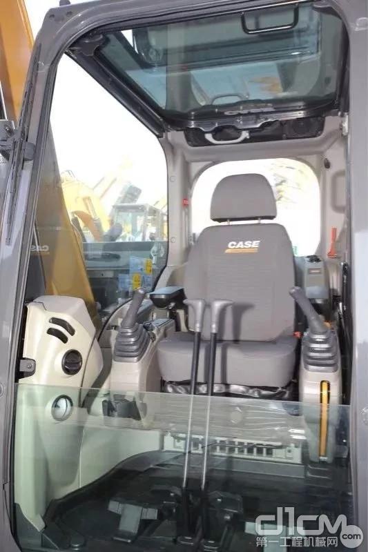 凯斯CX180C挖掘机驾驶室