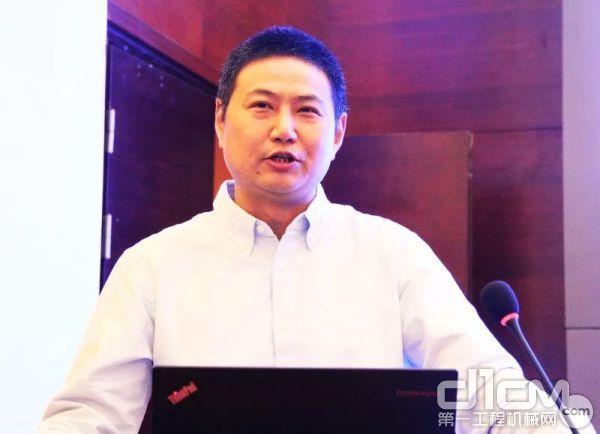 中国旧货业协会非道路移动机械管理服务中心主任陈波