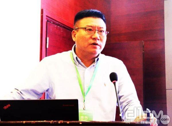 日立建机(上海)有限公司企划部部长张显峰