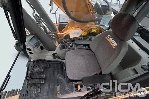 凯斯CX300C挖掘机驾驶室