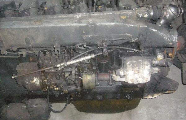 """一台存在""""烧""""机油的发动机"""