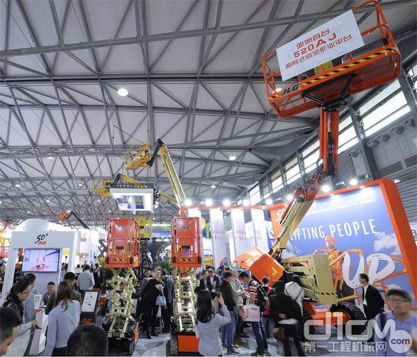 捷尔杰在2019 APEX Asia展出全新的520AJ以及ES1530L/ES1530LC