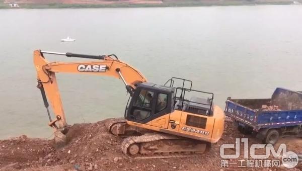 凯斯CX240C挖掘机施工作业