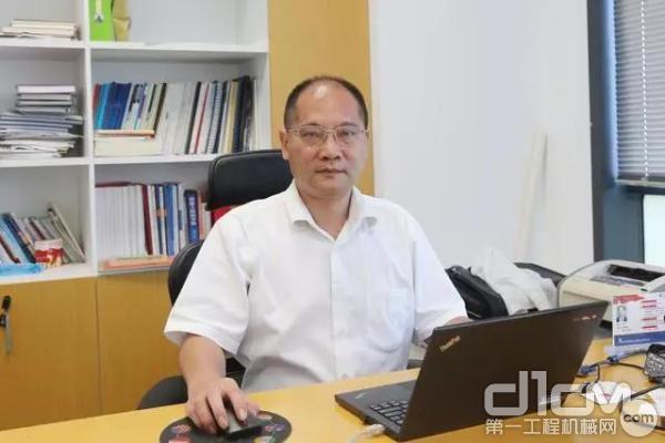 广西柳工机械股份有限企业副总工程师罗维