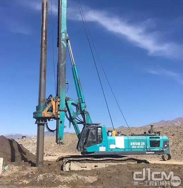 青藏铁路施工现场