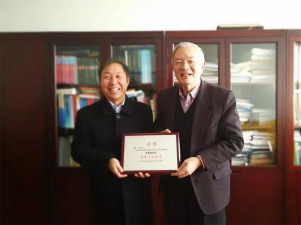 赵大平先生和吴澄院士