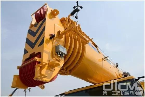 "XCT100-I采用六节""U型""65米主臂"