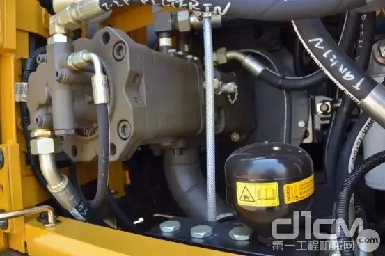 双泵恒功率负流量液压系统