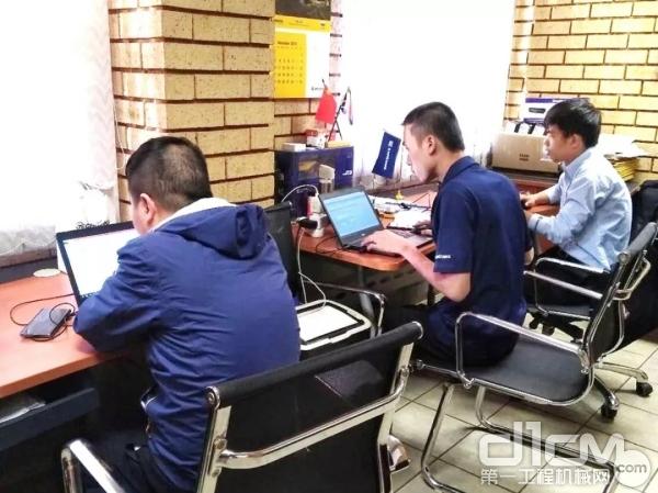 """钢铁作战团队的""""三剑客""""蓝华春、潘立定、谢俊阳"""