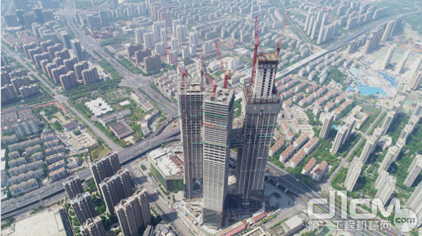 南京河西金鹰世界(368米)