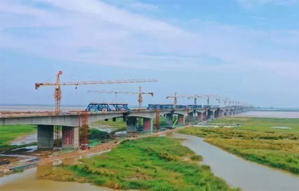 国道234焦作至荥阳黄河大桥沁河特大桥架梁施工项目
