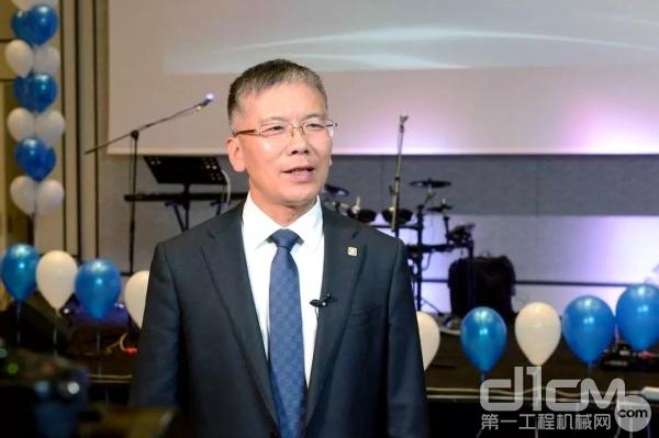 徐工随车党委书记、总经理孙小军接受当地媒体采访