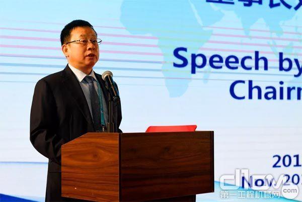 铁建重工党委书记、董事长刘飞香现场致辞