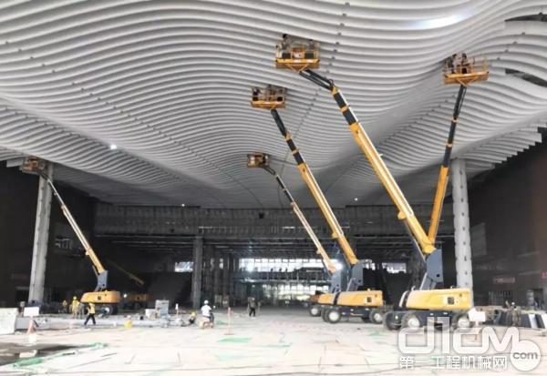 助力深圳國際會展中心建設現場