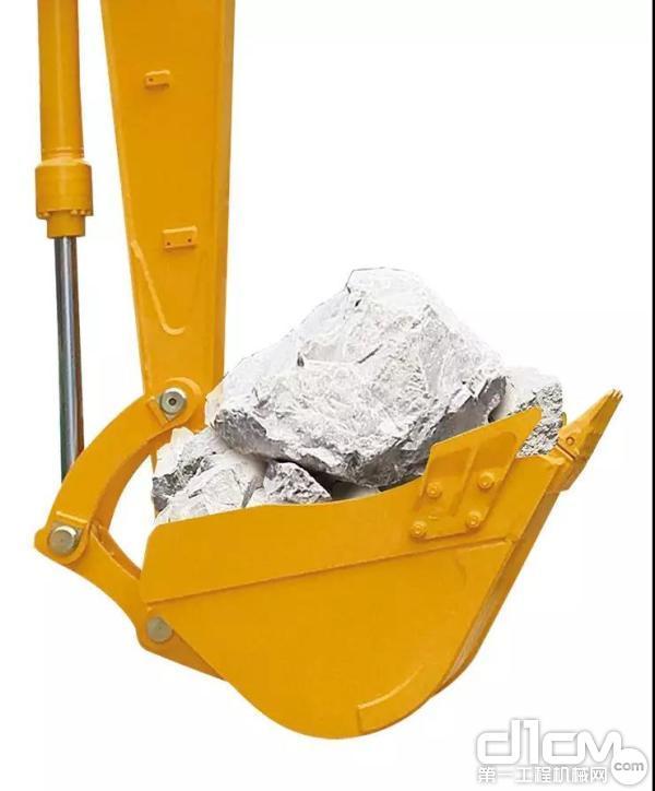 最大挖掘力达1670kg