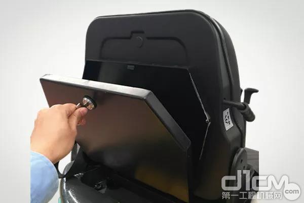 标配全铁收纳盒,座椅后背可调节设计