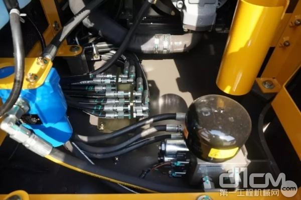 山东临工E680F采用负载敏感液压系统