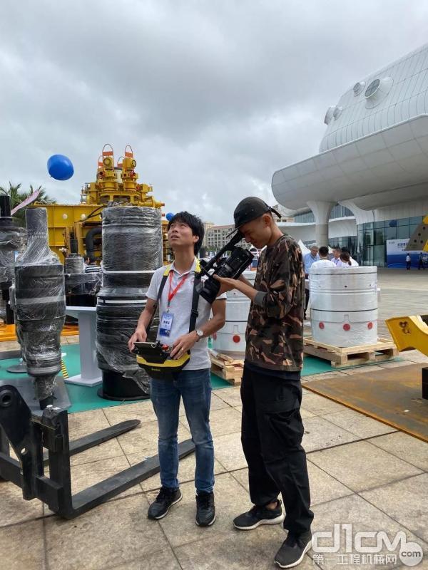 曼尼通设备接受海南电视台采访