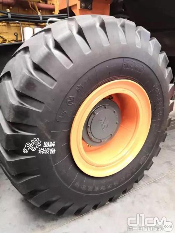 采用河南风神23.5-25轮胎