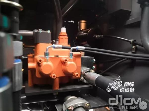 双100排量双泵合流液压系统