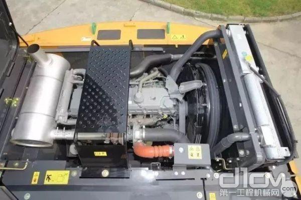 标配五十铃4HK1X发动机