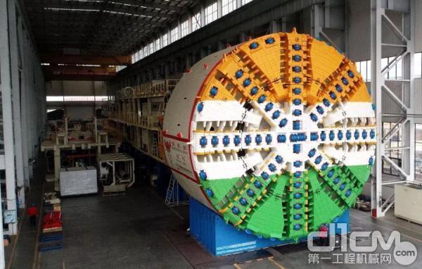 铁建重工自主研制我国出口印度最大直径盾构机