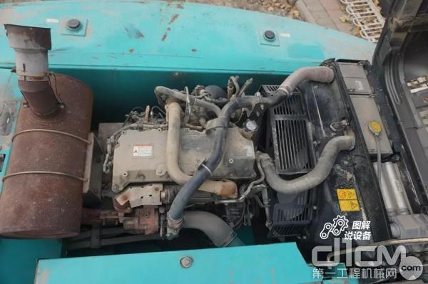 搭载的是日野4缸J05E涡轮增压内置中冷式发动机