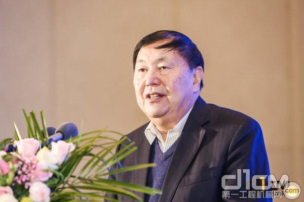中国机械工业联合会执行副会长杨学桐致辞