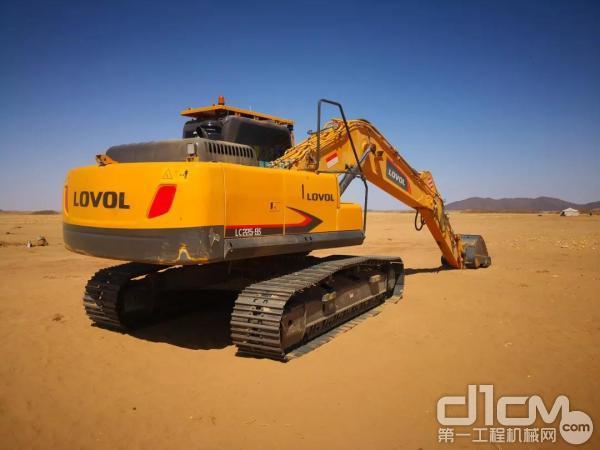 雷沃挖掘机在非洲施工