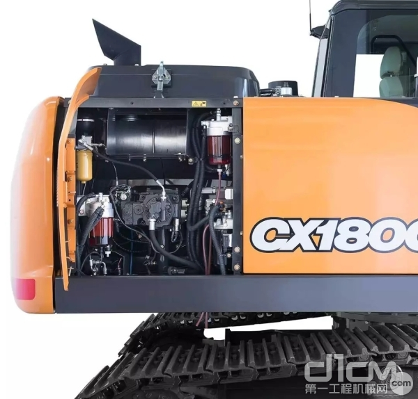 CX180C液压泵舱室