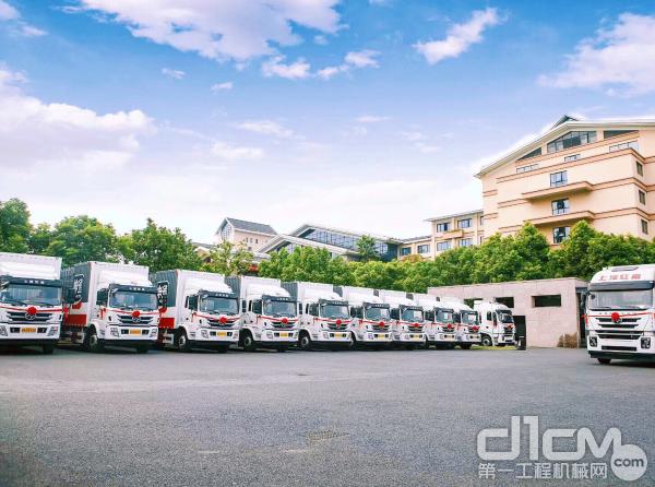 红岩重卡助力物流运输