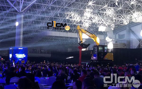 三一重机第25万台挖掘机下线仪式现场