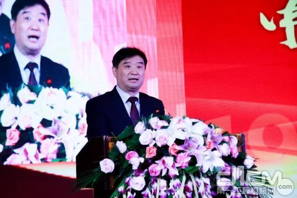 中国365bet体育工业协会常务副会长苏子孟致辞