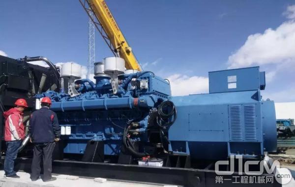 在海拔4200米的格尔木市矿山上,配套玉柴YC16VC的2200kW高压发电机组作为电力供应保障守护矿区安全。