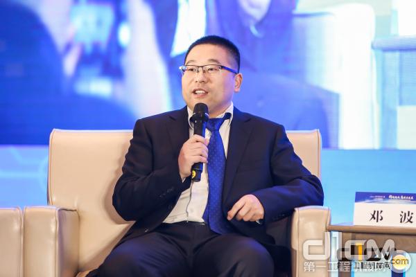 安徽<a href=http://product.d1cm.com/brand/liugong/ target=_blank>柳工</a>起重机企业总经理 邓波