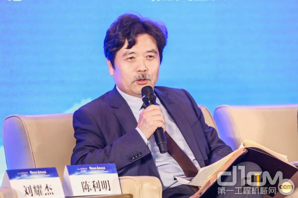 江苏八达重工机械股份有限公司董事长 陈利明