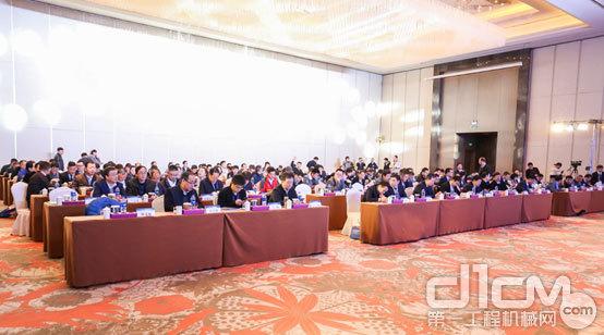 2019年中国工程机械工业协会工程起重机分会举办