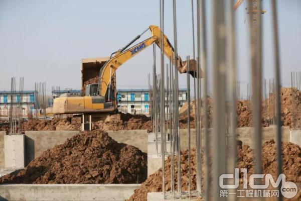 徐工挖掘机施工