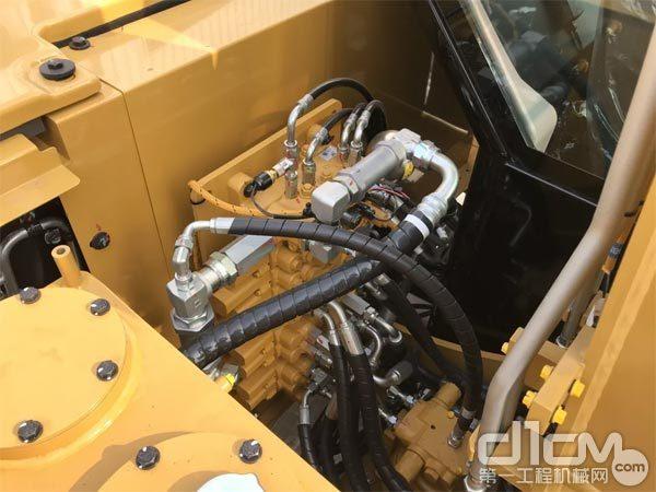CAT 307的液压系统